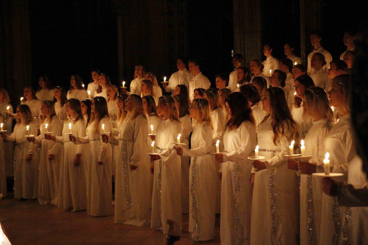 Lucia kor som synger i Nidarosdomen